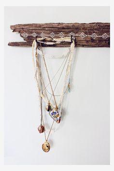 DIY Jewelry : DIY Drift Wood Jewelry Holder