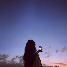Photography poses for friends angles 17 Ideas Korean Girl Photo, Cute Korean Girl, Cute Girl Photo, Girl Photo Poses, Girl Photography Poses, Shadow Pictures, Girl Pictures, Profile Pictures Instagram, Foto Instagram
