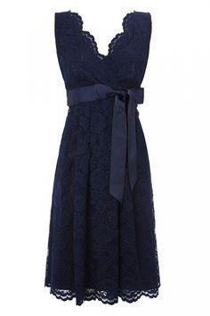Más de 30 vestidos azules que podrías usar en una fiesta o evento formal