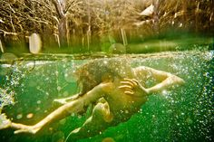 North Carolina-based photographer Neil Craver plunges us headlong into an underwater subconscious in his series Omni-Phantasmic. Seen on Feature Shoot by Jenna Garrett North Carolina, Carolina Do Norte, Art Beat, Underwater Photography, Art Photography, Underwater Photos, Inspiring Photography, Photography Gallery, Photography Magazine