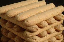 Sardegna un Mare di Gusto: Biscotti di Fonni Fondant Flower Cake, Fondant Cakes, Fondant Bow, Fondant Tutorial, Fondant Figures, Savoiardi Recipe, Low Carb Brasil, Animal Cakes, Dog Cakes