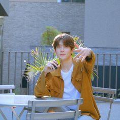 K Pop, Huang Renjun, Valentines For Boys, Jung Jaehyun, Jung Yoon, Jaehyun Nct, Just Friends, Kpop Boy, Boyfriend Material