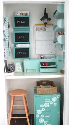 It doesn't take much to get creative with spring decor—and this pastel home tour proves just that! With pops of mint storage, this closet and home office duo is one of our favorite for design inspiration. Home Office Design, Home Office Decor, Home Interior Design, Diy Home Decor, Office Ideas, Classroom Decor, Calm Classroom, Future Classroom, Furniture
