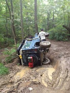OOOPS! Land Rover Defender 90 rolled over in the mud