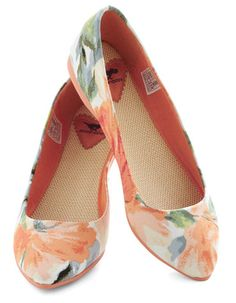 Pointing the Way Flats in Floral