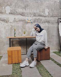 58 Ideas style hijab fashion 2018 for 2019 Hijab Casual, Ootd Hijab, Hijab Chic, Casual Outfits, Casual Pants, Look Fashion, Trendy Fashion, Fashion Outfits, Fashion Vintage
