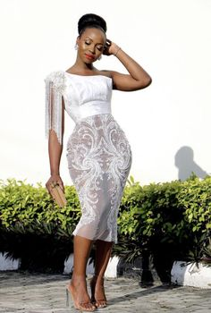 african fashion Aso Ebi Styles For Wedding: 25 Gorgeous And Stylish Aso Ebi Styles For Wedding Guest African Lace Styles, African Lace Dresses, Latest African Fashion Dresses, African Print Fashion, Xl Mode, Lace Gown Styles, African Traditional Dresses, African Attire, Classy Dress