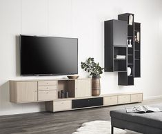 TV-benk - Dette er TV-benkene som tar stuen til nye høyder Flat Screen, Tv, Design, Home Decor, Homemade Home Decor, Flat Screen Display, Tvs, Design Comics, Decoration Home