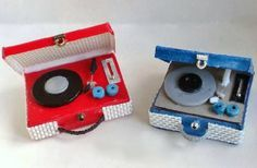 How to: Miniature record player (with printables).