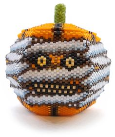 julia s. Seed Bead Projects, Beading Projects, Beading Ideas, Peyote Beading Patterns, Seed Bead Patterns, Halloween Beads, Halloween Earrings, Halloween 2019, Seed Bead Jewelry
