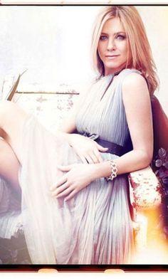 Jennifer Aniston Fashion and Style - Jennifer Aniston Dress, Clothes, Hairstyle - Page 3