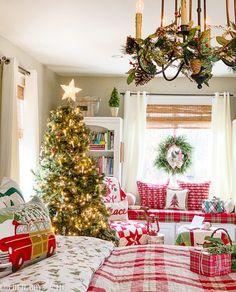 Christmas time Home Decor Cottage Christmas, Merry Christmas To All, Cozy Christmas, Country Christmas, All Things Christmas, Christmas Wreaths, Christmas Crafts, Christmas Displays, Christmas Wishes
