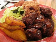 thefoodcoma: Oxtail, plantain, rice and peas, and some steamed cabbage possibly! (jamaica) special thanks to gaptoothwifeofbath for your help! Jamaican Cuisine, Jamaican Dishes, Jamaican Recipes, Carribean Food, Caribbean Recipes, Jamaican Oxtail Stew, Oxtail Meat, Braised Oxtail, Jamacian Food