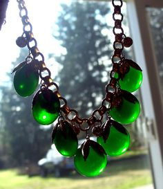 Vintage Green Bakelite Necklace