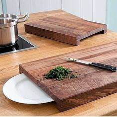 Schneidbretter Walnuss - Cutting Board - Ideas of Cutting Board Woodworking Projects Diy, Diy Wood Projects, Woodworking Plans, Wood Crafts, Woodworking Furniture, Small Wooden Projects, Woodworking Workshop, Woodworking Techniques, Woodworking Shop