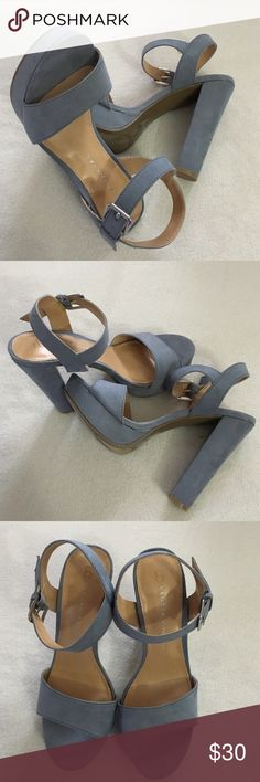 Woman's shoes Great looking heels fun with jeans or dress LC Lauren Conrad Shoes Platforms