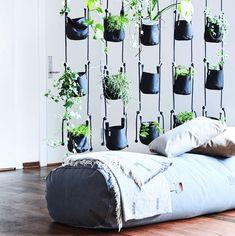 Pot suspendu Vertical / 4 pots & cordes - H 200 cm Gris - Trimm Copenhagen Lounge Furniture, Furniture Design, Copenhagen Design, Bar Interior Design, Hanging Pots, Home Improvement Projects, Hygge, Flower Decorations, Flower Pots