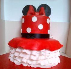 Minnie Mouse Cake-idea for an august birthday