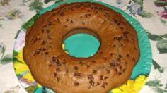 Ricetta Ciambella al caffè: Mescolate in una ciotola la farina con il lievito, il sale e lo zucchero. In una seconda ciotola mescolare l'uovo il burro il latte, il caffè e la vaniglia. Unite i due composti e mescolare per amalgamare i due composti. Imburrate ed...