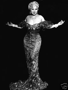 MAE WEST PUBLICITY PHOTO  - Hollywood 1930's Movie Actress