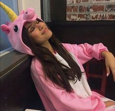 Everyone's getting into relationships and I'm here in my unicorn onesie eating pizza in the dark~Z