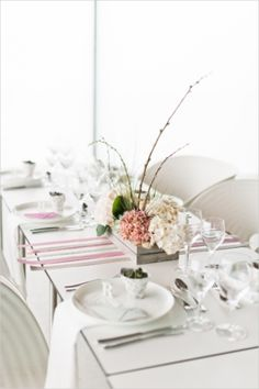 Table Decor Tip: Crisp pink and white wedding table decor #decor #pink #modern #color #palette #details #ideas