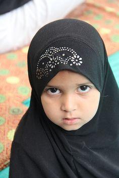 India For Kids, Hijab Niqab, Asian Kids, Baby Faces, Human Soul, Portrait Ideas, Little Princess, Word Of God, Hijab Fashion