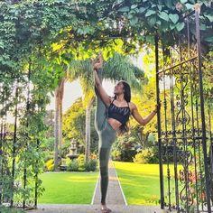 Yogi goals & yoga inspiration. Standing splits.