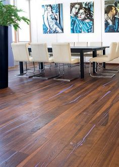 Tiger Oak vulcano purple, dining room