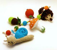 erdei csörgő játék babakocsira / woodland pram rattle toy