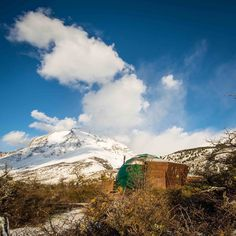 That's how we woke up this morning at EcoCamp : after the snow dream #Landscapes! #Spring #Patagonia #Chile #Travel #ttot #Hiking #TorresdelPaine
