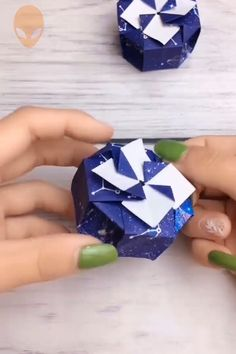 Diy Crafts - 10 Fun And Easy Origami Inspirations - DIY Tutorials Videos Cute Origami, Origami Ball, Paper Crafts Origami, Useful Origami, Diy Origami, Diy Paper, Diy Crafts To Do, Diy Crafts Hacks, Diy Arts And Crafts