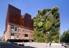 Mejores Diseños de Jardines Verticales del mundo-Caxia Forum – España
