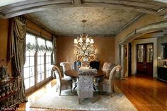 Stenciled Venetian Plaster on Dining Room Ceiling by Tiffany Alexander | Modern Masters Cafe blog