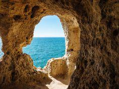 Aboneca... grotte magique et une fenêtre sur l'infini