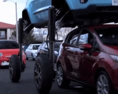 the JEEP hum rider elevating car lifts above high traffic