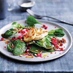 Quinoa salad with haloumi and pomegranate Quinoa-Salat mit Haloumi und Granatapfel, Quinoa-Rezept, das Ihnen Australian Women 's Weekly bringt Pomegranate Recipes, Pomegranate Salad, Healthy Eating Recipes, Vegetarian Recipes, Cooking Recipes, Vegetarian Xmas, Healthy Salads, Healthy Food, How To Cook Haloumi