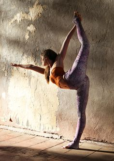 Benefits:  Improves Balance and Concentration  ∙ Stretches the hip flexors, and legs  ∙ Expands the chest and front body  ∙ Strengthens the back body in a back bend