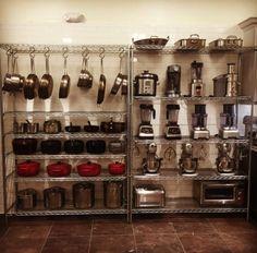 restaurant kitchen 16 Kitchen Organization Tricks I Learned Working In Restaurants Bakery Kitchen, Restaurant Kitchen, Kitchen Pantry, Restaurant Design, Kitchen And Bath, New Kitchen, Kitchen Decor, Awesome Kitchen, Kitchen Ideas