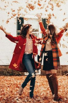 Trendy Photography Ideas For Sisters Photoshoot Bff Pics - Bff Pictures Bff Pics, Bff Pictures, Best Friend Pictures, Fall Friends, Best Friends Shoot, Friends Photo Shoot, Fall Family Photos, Fall Photos, Fall Pics