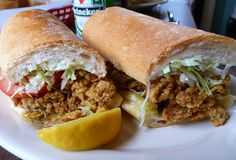 Here are the iconic Louisiana foods that are the best cajun foods in Louisiana Louisiana Recipes, Cajun Recipes, Southern Recipes, Seafood Recipes, Appetizer Recipes, Yummy Recipes, Yummy Food, Deep Fried Oysters, Po Boy Sandwich