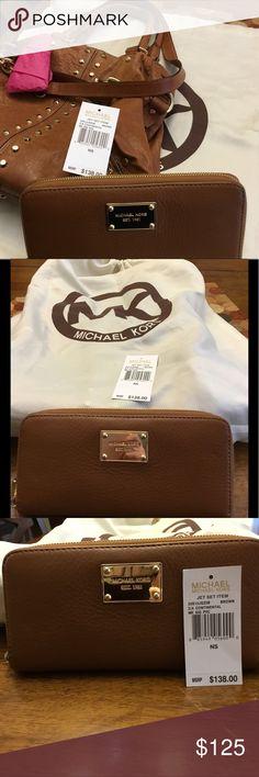 100%AUTH NEW W TAGS M/K Brown Continental Wallet 100% Auth Michael Kors  JET SET CONTINENTAL BROWN WALLET  original $138.00  Model number 32S12JSZ3B / 8- 8594905600 -0 KORS Michael Kors Bags Wallets