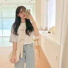 𝑠𝑚𝑖𝑙𝑒~ -: ✧ :-゜・. ------------------------ → [ ༄ ♔ ] 𝘧𝘰𝘭𝘭𝘰𝘸 𝘧𝘰𝘳 𝘮𝘰𝘳𝘦~ → [ ༄ ☼ ] 𝘹𝘪𝘢𝘰𝘺𝘢𝘯𝘨 𝘩𝘢𝘴 𝘱𝘰𝘴𝘵𝘦𝘥 ------------------------ .・゜-: ✧ :- [©® to owners] «─── « ⋅ʚ♡ɞ⋅ Ulzzang Girl Fashion, Ulzzang Korean Girl, Cute Korean Girl, Asian Girl, Korean Aesthetic, Aesthetic Girl, Aesthetic Clothes, Korean Street Fashion, Korea Fashion