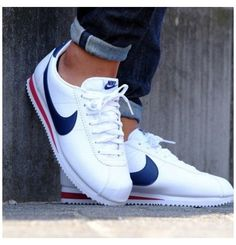 Zapatillas Nike Cortez, Nike Cortez Mens, Nike Cortez Shoes, Nike Casual Shoes, Sneakers Nike, Nike Shoes Men, Mens Red Shoes, Nike Shoes Blue, Nike Basketball