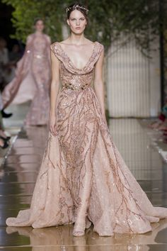Zuhair Murad Autumn/Winter 2017 Haute Couture - Look 45 Zuhair Murad, Simple Wedding Gowns, Wedding Dresses, Prom Dresses, Casual Chic, Couture Fashion, Fashion Beauty, Fashion 101, Style Fashion