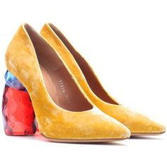 Velvet pumps Dries Van Noten ($905) ❤ liked on Polyvore featuring shoes, pumps, dries van noten shoes, chunky shoes, dries van noten, chunky-heel pumps and retro shoes