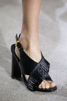 Fresh off the Runway: 15 Spring 2016 Shoes You Just Can???t Miss