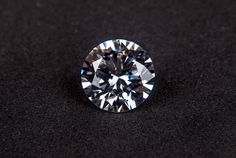 """Purchasing a diamond for the first time might feel like a challenge. You might find yourself wondering """"Is it a REAL diamond?"""" Before you make a purchase, read our guide for 6 Simple Ways to Spot A Fake Diamond Diamond Trade, Best Diamond, Rough Diamond, Diamond Rings, Diamond Jewelry, Diamond Cuts, Silver Jewelry, Gold Jewellery, Jewellery Market"""