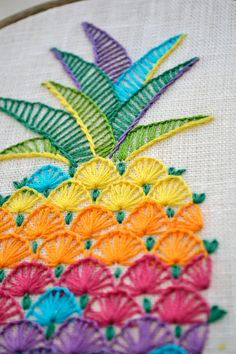 Hand Embroidery Stitches Patterns Free into Embroidery Patterns Baby Girl next Embroidery Machine Grease time Embroidery Hoop Loom in Embroidery Patterns Of Birds Crewel Embroidery Kits, Silk Ribbon Embroidery, Hand Embroidery Designs, Machine Embroidery, Embroidery Ideas, Hand Embroidery Projects, Simple Embroidery, Embroidery Thread, Vintage Embroidery Patterns