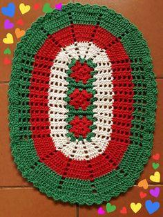 Crochet Table Runner Christmas Doily Patterns 22 Ideas For 2019 Crochet Placemats, Crochet Table Runner, Crochet Quilt, Crochet Home, Crochet Doilies, Free Crochet, Christmas Crochet Patterns, Holiday Crochet, Crochet Santa